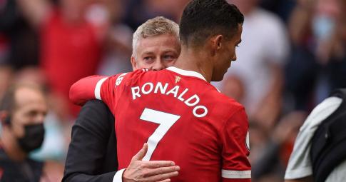 Ronaldo yêu cầu Solskjaer thay đổi lối chơi
